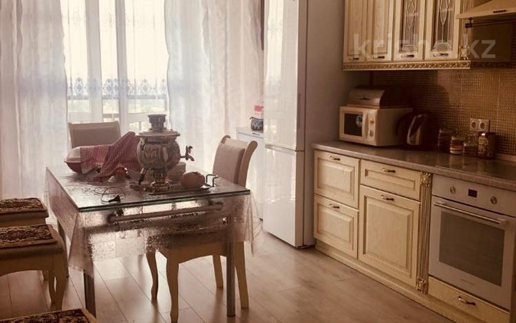 2-комнатная квартира, 115 м², 12/13 этаж, мкр Мамыр-7, Бауыржана Момышулы — Шаляпина за 46 млн 〒 в Алматы, Ауэзовский р-н