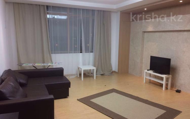 2-комнатная квартира, 66 м², 4 эт. помесячно, проспект Рахимжана Кошкарбаева 10 за 200 000 ₸ в Астане, Алматинский р-н