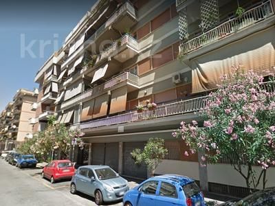 3-комнатная квартира, 86 м², 2/5 эт., Лидо ди Остия 1 за 81 млн ₸ в Риме