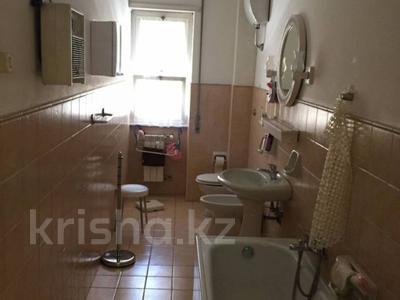 3-комнатная квартира, 86 м², 2/5 эт., Лидо ди Остия 1 за 81 млн ₸ в Риме — фото 5