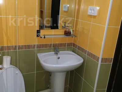 1-комнатная квартира, 30 м², 2/4 эт. посуточно, проспект Тауке хана 4 — Момышулы за 8 000 ₸ в Шымкенте, Аль-Фарабийский р-н — фото 12