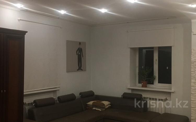 3-комнатная квартира, 70 м², 2/2 эт., М. Ауэзова 13 за 9.9 млн ₸ в Экибастузе