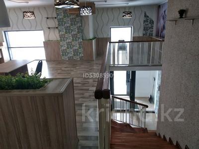 Офис площадью 176 м², Кабанбай батыра 58А — Улы дала за 700 000 〒 в Нур-Султане (Астана), Есиль р-н — фото 2