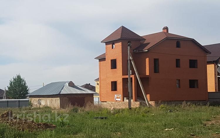 5-комнатный дом, 300 м², 10 сот., Таугуль-1 за 22 млн 〒 в Караганде, Казыбек би р-н
