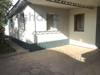 5-комнатный дом, 170 м², 8 сот., Крылова 6 — Некрасова за 21.5 млн 〒 в Есик — фото 2