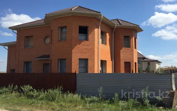 6-комнатный дом, 300 м², 10 сот., Кызылсуат за 29 млн 〒