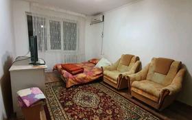 1-комнатная квартира, 35 м², 2/5 этаж помесячно, Микрорайон СМП-136 3 за 80 000 〒 в Атырау
