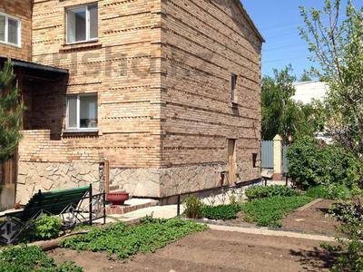 6-комнатный дом, 222 м², 8.5 сот., Нуртаса Ондасынова 37 за 54 млн 〒 в Нур-Султане (Астана), Есильский р-н