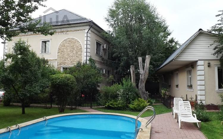 7-комнатный дом, 352 м², 13 сот., мкр Дубок-2 244 за 170 млн ₸ в Алматы, Ауэзовский р-н
