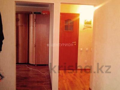 2-комнатная квартира, 56 м², 5/5 этаж, Братьев Жубановых — Марата Оспанова за 6.8 млн 〒 в Актобе — фото 3