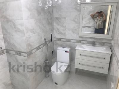 4-комнатная квартира, 143 м², 13/18 эт., Ганди 223 за 90 млн ₸ в Алматы, Медеуский р-н — фото 6