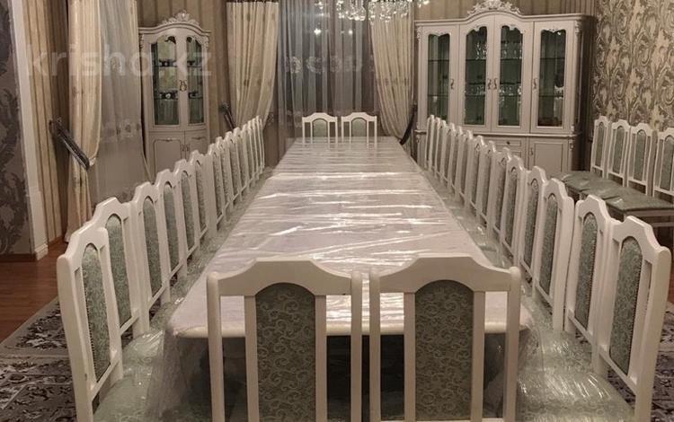 5-комнатный дом посуточно, 365 м², 10 сот., Кунгей Елебекова за 80 000 ₸ в Караганде, Казыбек би р-н