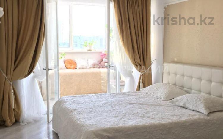 2-комнатная квартира, 75 м² помесячно, Наурызбай Батыра 152А — проспект Абая за 350 000 〒 в Алматы, Бостандыкский р-н