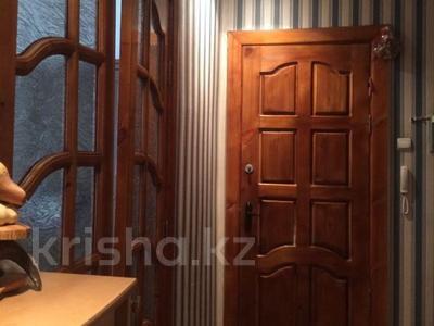 2-комнатная квартира, 56 м², 3/5 эт., Мира 7 — Ерубаева,Лободы за 14 млн ₸ в Караганде, Казыбек би р-н — фото 3