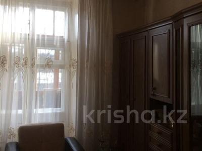 2-комнатная квартира, 56 м², 3/5 эт., Мира 7 — Ерубаева,Лободы за 14 млн ₸ в Караганде, Казыбек би р-н