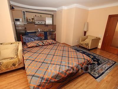 1-комнатная квартира, 40 м², 12/18 этаж посуточно, Панфилова 103 — Жибек жолы за 10 000 〒 в Алматы, Жетысуский р-н — фото 10