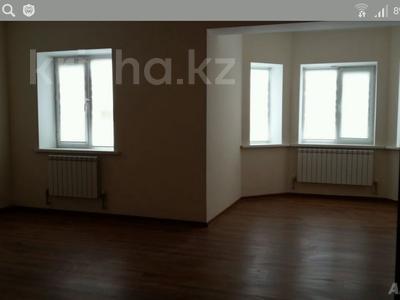 7-комнатный дом, 250 м², 7 сот., Еркинкала, ул. Тусупкалиева 6 за 30 млн ₸ в Атырау — фото 2