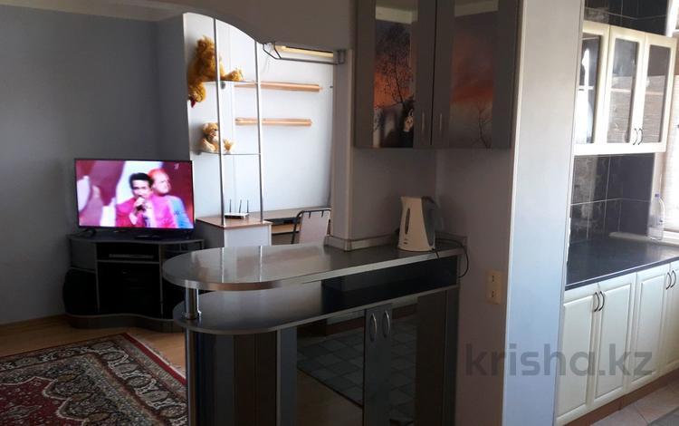 2-комнатная квартира, 55 м² посуточно, 7-й мкр 12 за 9 000 ₸ в Актау, 7-й мкр