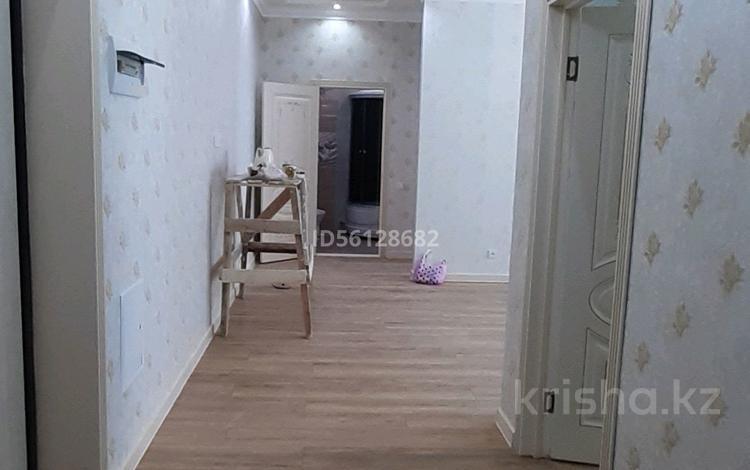 2-комнатная квартира, 68 м², 3/12 этаж, E-49 — E-10 за 31 млн 〒 в Нур-Султане (Астана), Есиль р-н