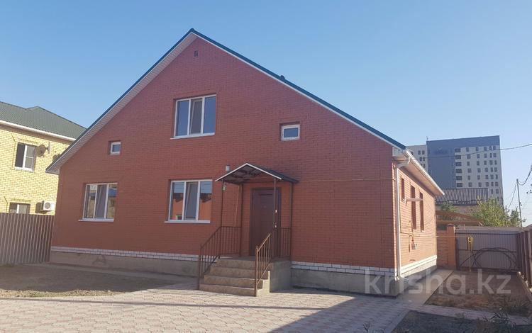 6-комнатный дом, 220 м², 5 сот., ул. М.Горького за 58 млн 〒 в Атырау