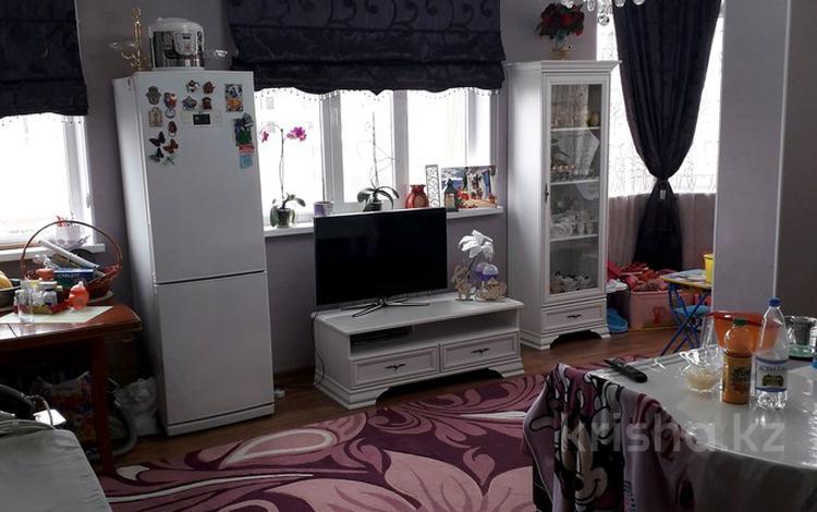 2-комнатная квартира, 67 м², 3/10 этаж, Байтурсынова 58В — Мадели Кожа за 24 млн 〒 в Шымкенте, Аль-Фарабийский р-н