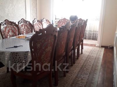 4-комнатная квартира, 75 м², 5/5 этаж, 17мкр 6 — Еримбетова за 14 млн 〒 в Шымкенте, Енбекшинский р-н — фото 6