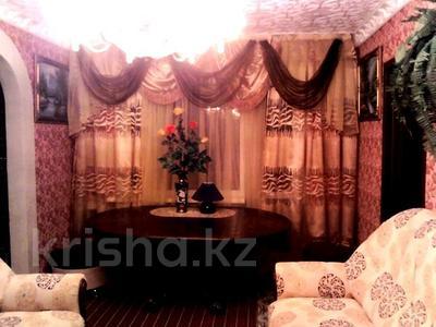 2-комнатная квартира, 48 м², 1/5 этаж посуточно, Муканова 2 — Университетская за 9 000 〒 в Караганде, Казыбек би р-н