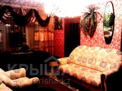 2-комнатная квартира, 48 м², 1/5 этаж посуточно, Муканова 2 — Университетская за 9 000 〒 в Караганде, Казыбек би р-н — фото 2
