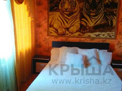 2-комнатная квартира, 48 м², 1/5 этаж посуточно, Муканова 2 — Университетская за 9 000 〒 в Караганде, Казыбек би р-н — фото 4