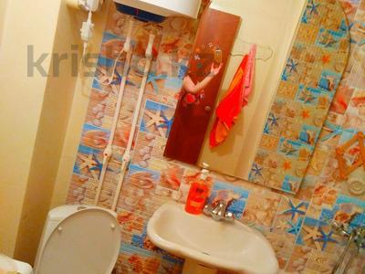 2-комнатная квартира, 48 м², 1/5 этаж посуточно, Муканова 2 — Университетская за 9 000 〒 в Караганде, Казыбек би р-н — фото 9