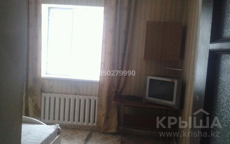 2-комнатная квартира, 60 м², 5/5 этаж, 13 мкр 19 за 5.5 млн 〒 в Караганде, Октябрьский р-н