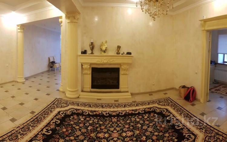 8-комнатный дом, 636 м², 16 сот., Хайруллы Кабжанова за 130 млн 〒 в Караганде