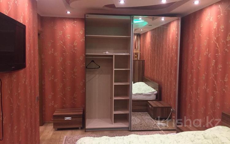1-комнатная квартира, 40 м², 4 эт. посуточно, Кабанбай Батыра 46 — Керей Жанибек Хандар за 6 000 ₸ в Нур-Султане (Астана), Есильский р-н