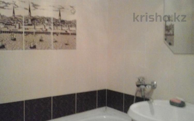 2-комнатная квартира, 46 м², 2 этаж посуточно, Н. Абдирова 15 за 7 000 〒 в Караганде, Казыбек би р-н