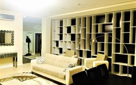 3-комнатная квартира, 150 м², 3/6 этаж помесячно, Сыганак 14 — Акмешит за 400 000 〒 в Нур-Султане (Астана), Есиль р-н