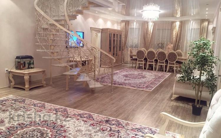 8-комнатный дом, 365 м², 10 сот., Саркамыс 2 за 68 млн ₸ в Атырау