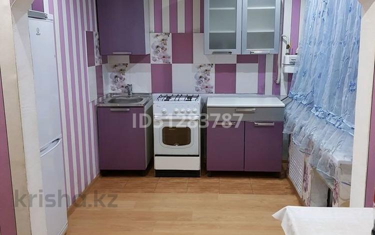 2-комнатная квартира, 48 м², 1/5 этаж, пгт Балыкши, Балыкши 15 — Кунанбаева за 6 млн 〒 в Атырау, пгт Балыкши