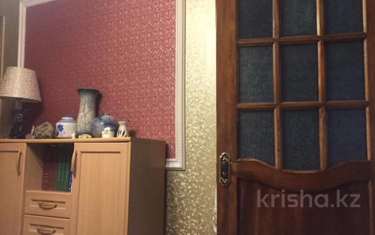 3-комнатная квартира, 56 м², 1/4 этаж, улица Пичугина 251/2 за 11.5 млн 〒 в Караганде, Казыбек би р-н