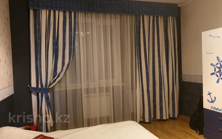 4-комнатная квартира, 150 м², 6/14 этаж, мкр Таугуль, Навои за 61 млн 〒 в Алматы, Ауэзовский р-н