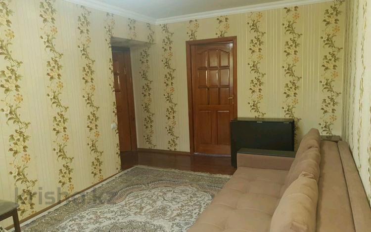 3-комнатная квартира, 58 м², 2/5 этаж, мкр Казахфильм за 25 млн 〒 в Алматы, Бостандыкский р-н