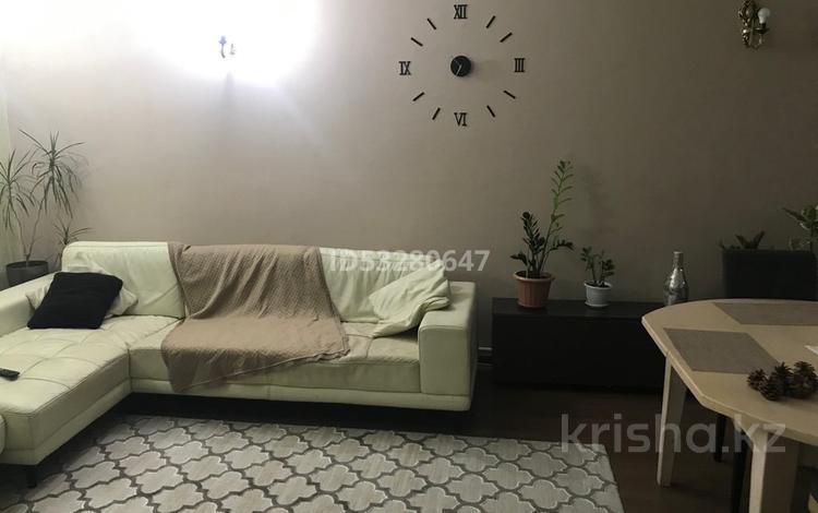 4-комнатный дом помесячно, 110 м², 4 сот., мкр Каргалы за 380 000 〒 в Алматы, Наурызбайский р-н