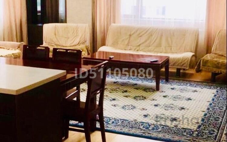 2-комнатная квартира, 74 м², 5 этаж посуточно, Байтурсынова 3 за 16 000 〒 в Нур-Султане (Астана), Есиль р-н