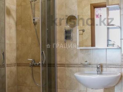 4-комнатная квартира, 156 м², 7/21 этаж, Аль-Фараби 21 за 135 млн 〒 в Алматы, Бостандыкский р-н — фото 19