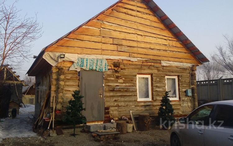 2-комнатный дом, 60 м², 3 сот., Проспект Абая за 8 млн ₸ в Усть-Каменогорске