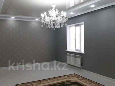 4-комнатный дом, 155 м², 5 сот., Надежды — Яблоневая за 25 млн 〒 в Уральске — фото 2