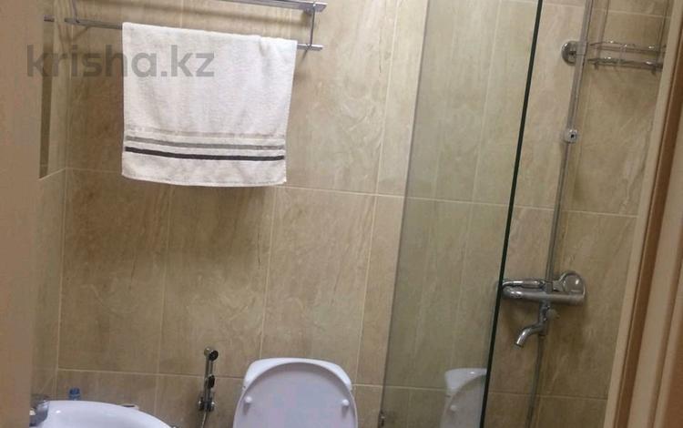 2-комнатная квартира, 54 м², 3/9 этаж помесячно, Таттимбета 3 за 139 000 〒 в Караганде, Казыбек би р-н