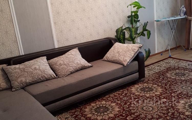 2-комнатная квартира, 45 м², 3 этаж посуточно, Пр-т Б.Момышулы 9а за 8 000 〒 в Шымкенте, Аль-Фарабийский р-н