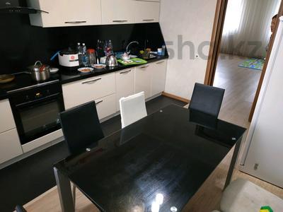 3-комнатная квартира, 96 м², 10/12 этаж, Кабанбай батыра 40 за 32.5 млн 〒 в Нур-Султане (Астана), Есиль р-н — фото 2