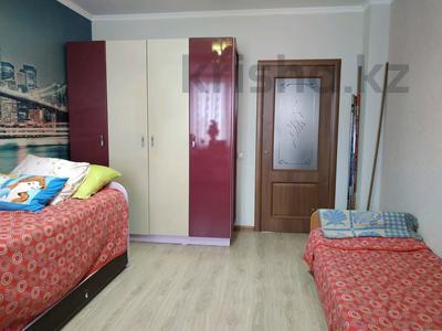 3-комнатная квартира, 96 м², 10/12 этаж, Кабанбай батыра 40 за 32.5 млн 〒 в Нур-Султане (Астана), Есиль р-н — фото 11