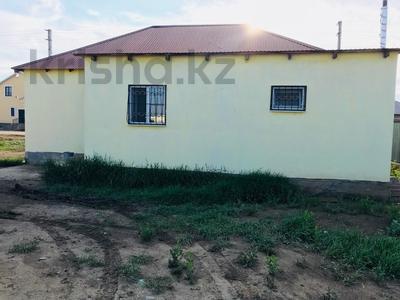 2-комнатный дом, 80 м², 8 сот., мкр Водников-2 15 за 10 млн 〒 в Атырау, мкр Водников-2